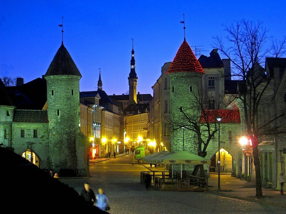 MULTI-DAY / ESTONIA / WEEK-END TURISTICO A TALLINN