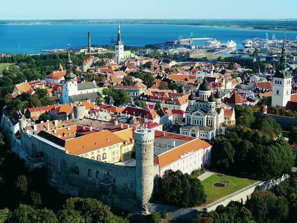 ONE DAY TOUR / ESTONIA ( FROM LATVIA) / TALLINN