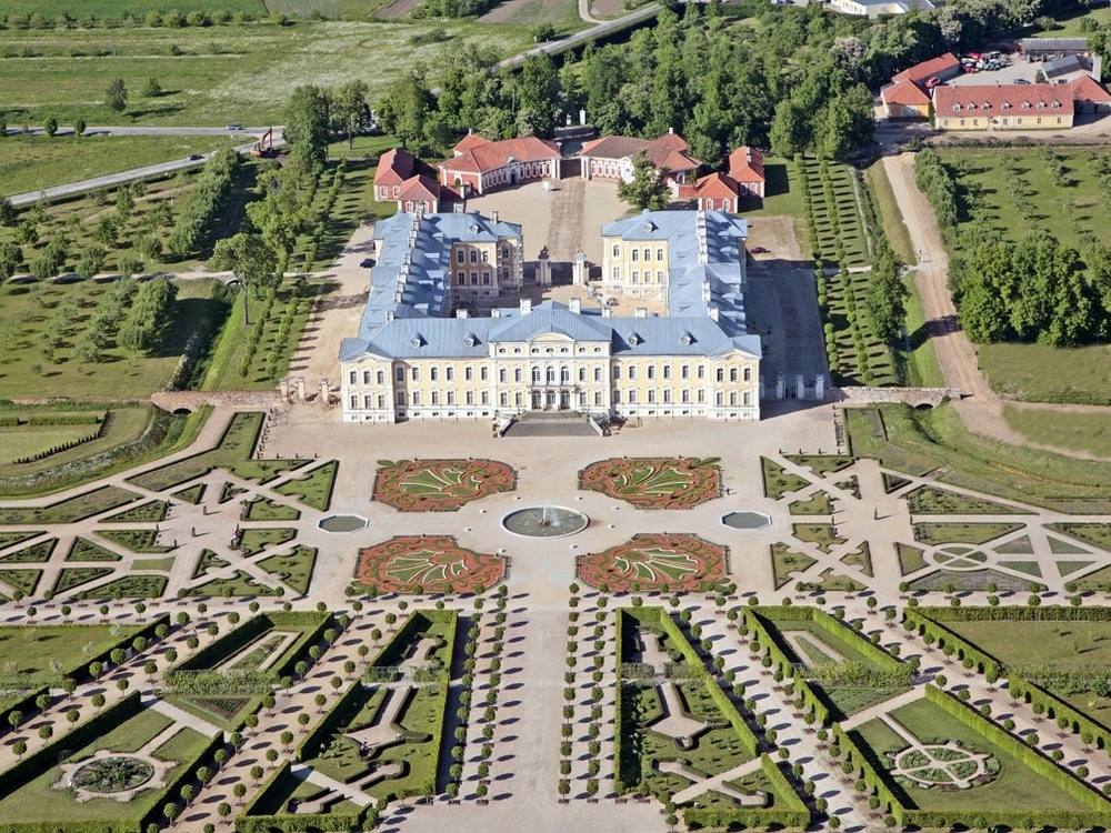 ONE DAY TOUR / LATVIA / THE RUNDALE PALACE