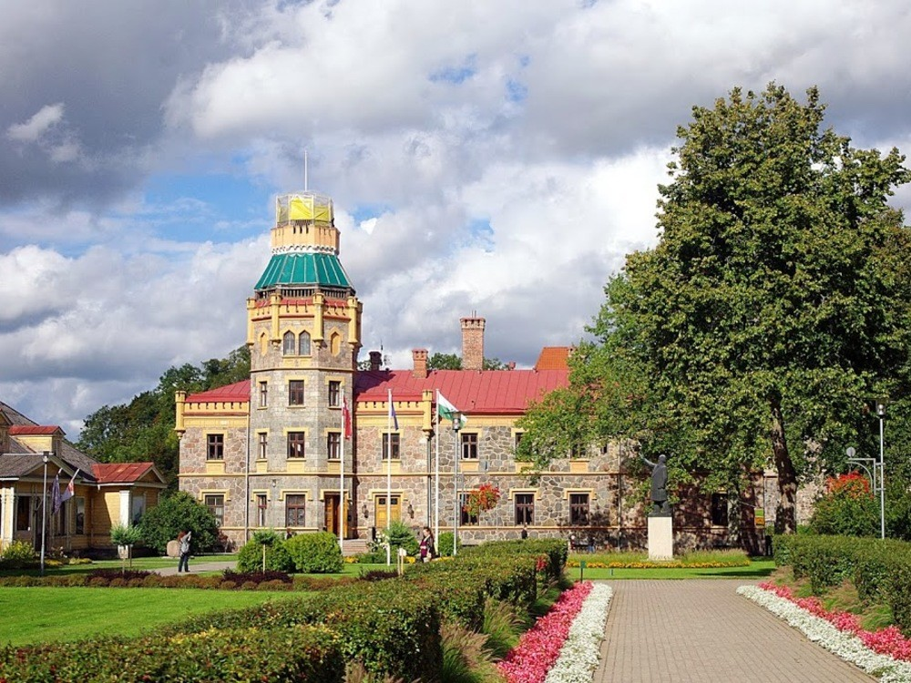 ONE DAY TOURS / LATVIA / SIGULDA, LIGATNE, CESIS